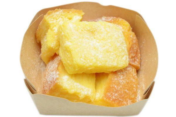 こだわり卵エグパティシエールと生クリームを専用食パンに合わせたフレンチトースト。